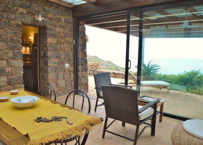 Dammuso giardino d 39 inverno vivere pantelleria - Giardino d inverno catania ...